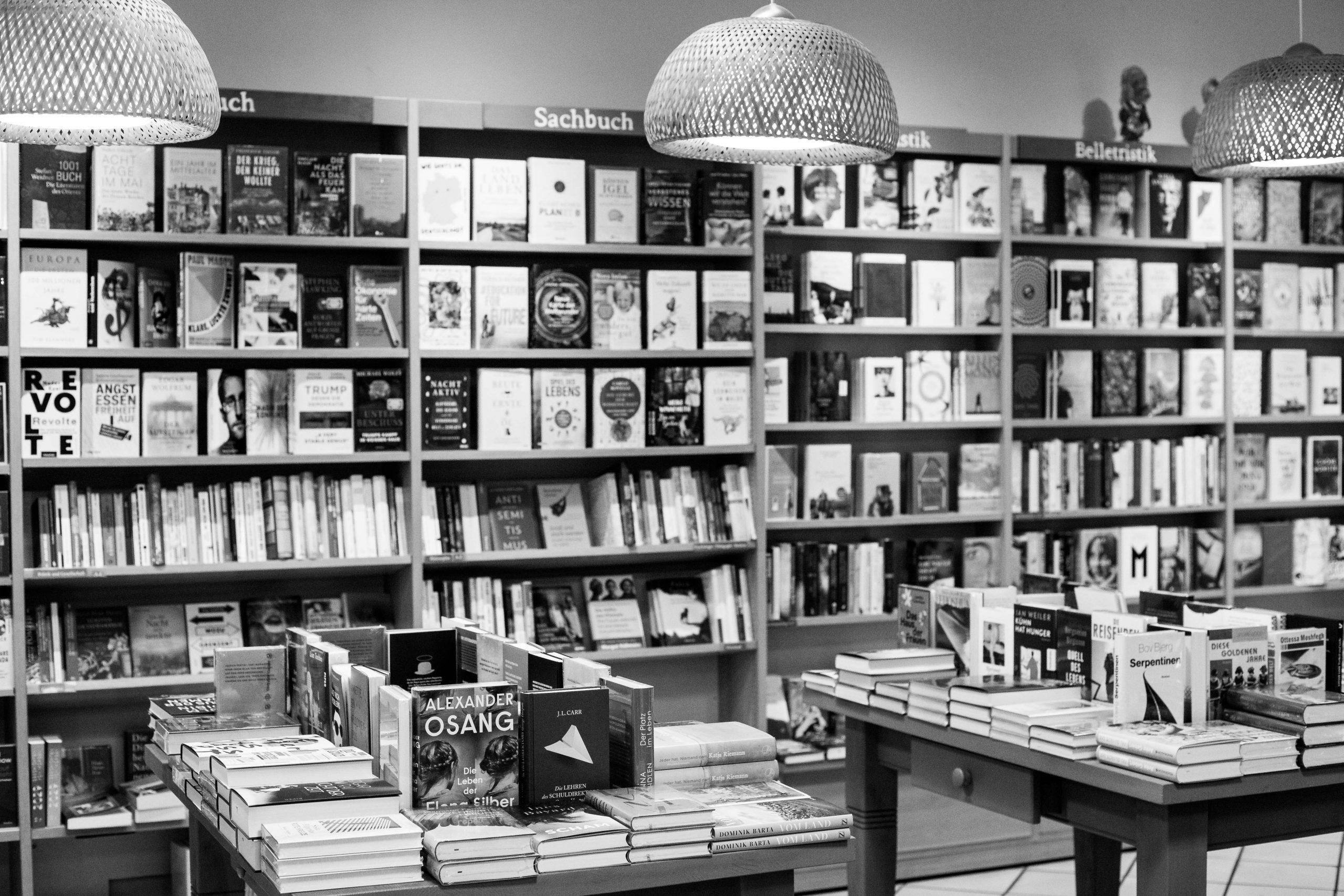 Sortiment | Buechertische | Buchregale | Neuerscheinungen | Hardcover | Gebunden | Sachbuch | Belletristik